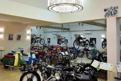Kaali-Kali-museum-auto-motor-chandeliers-kristalycsillar-Luchiante-6